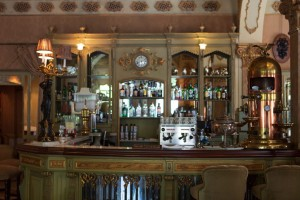 CA Cadiz Cafe Royalty 2 de 5 - Andalucía Film Commission
